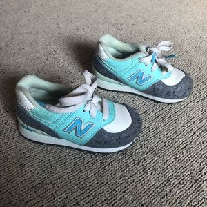 Toddler new balance lace up sneakers size 4